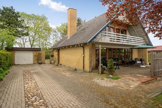 Villa på Ahornvej i Karup J - Ejendommen