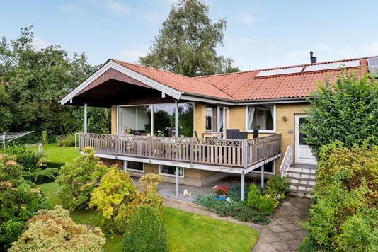 Villa på Solvænget i Kjellerup - Ejendommen