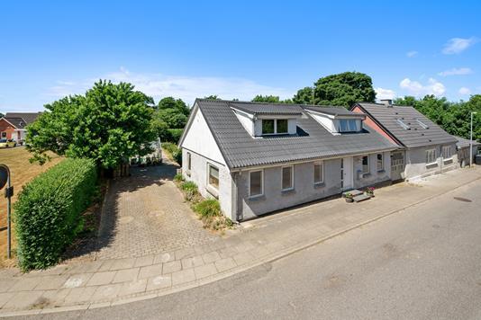 Villa på Tanghusvej i Kjellerup - Mastefoto