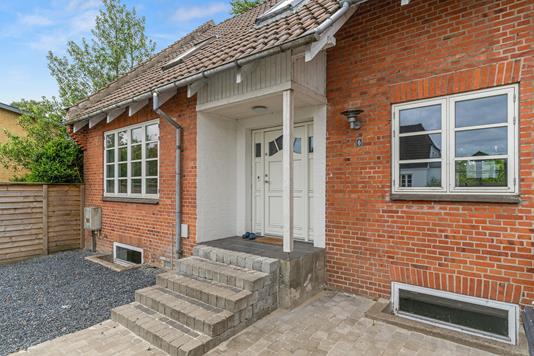 Villa på Blichersvej i Kjellerup - Ejendommen