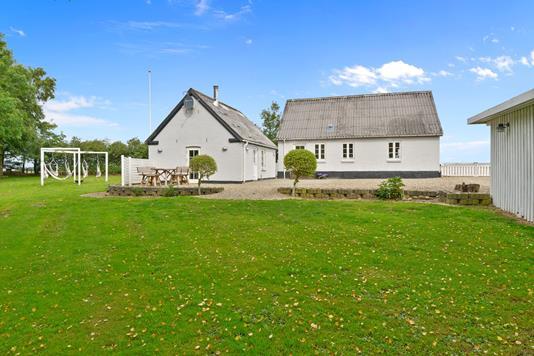 Villa på Vattrupvej i Kjellerup - Have
