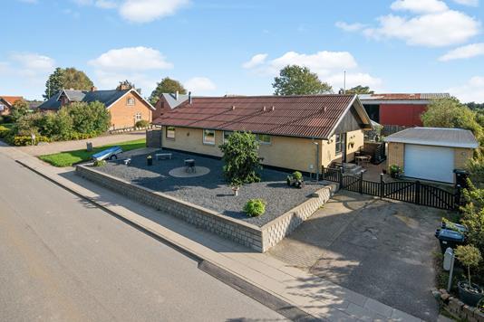 Villa på Bygaden i Kjellerup - Mastefoto