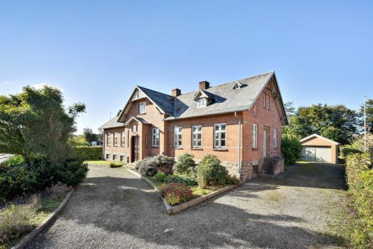Villa på Bygaden i Kjellerup - Ejendommen
