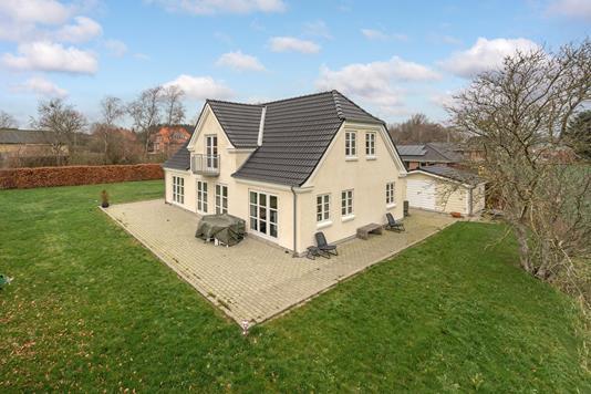 Villa på Anemonevej i Kjellerup - Ejendommen