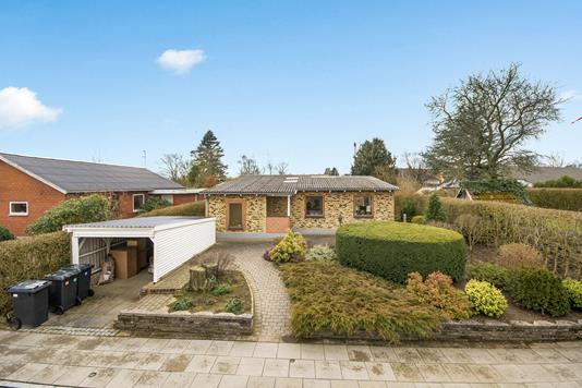 Villa på Sønder Allé i Kjellerup - Ejendommen