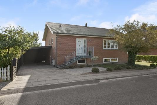 Villa på Vinderslevvej i Kjellerup - Ejendommen