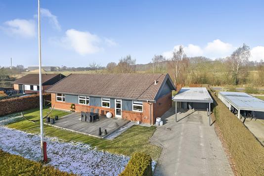 Villa på Hvidbøgen i Kjellerup - Ejendommen