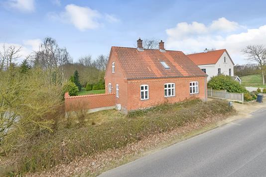 Villa på Kirkebakken i Kjellerup - Ejendommen