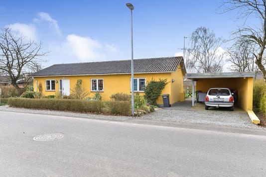Villa på Møllevej i Kjellerup - Ejendommen