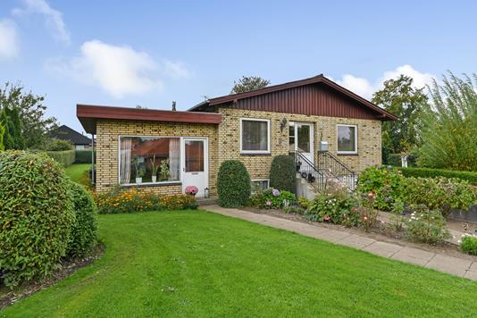 Villa på Birkevej i Kjellerup - Ejendommen