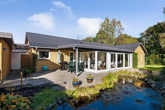 Villa på Hyldevangen i Kjellerup - Ejendommen