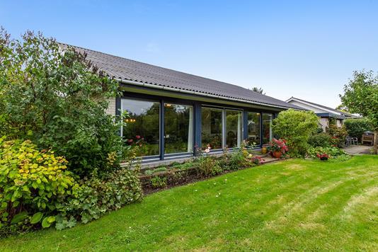 Villa på Porsborgvej i Støvring - Set fra haven