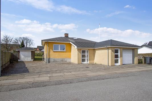 Villa på Møllevej i Støvring - Ejendommen