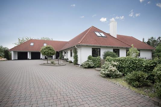 Villa på Engesvangvej i Terndrup - Ejendommen