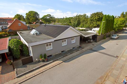 Villa på Doktorvænget i Støvring - Ejendommen