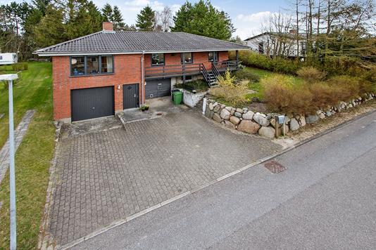 Villa på Hanebakken i Skørping - Ejendommen