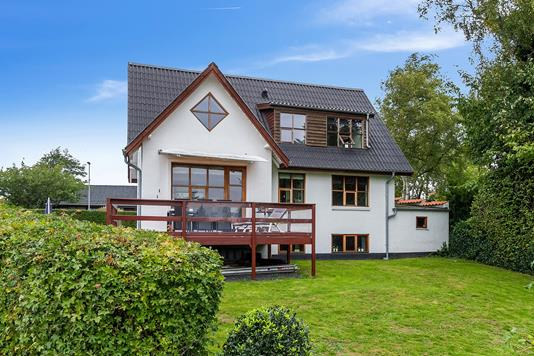Villa på Mosbæksalle i Støvring - Set fra haven