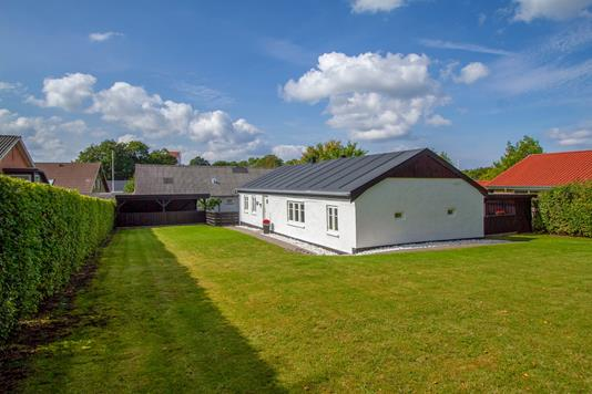 Villa på Smedevænget i Støvring - Set fra haven