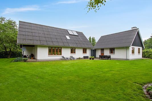 Villa på Nibevej i Støvring - Ejendommen