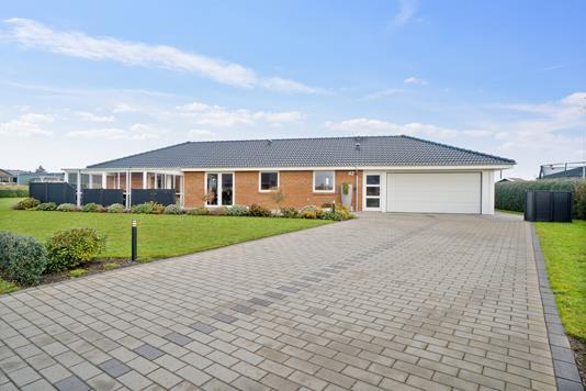 Villa på Grævlingen i Støvring - Set fra vejen