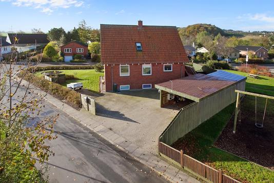 Villa på Estrupvej i Støvring - Ejendommen