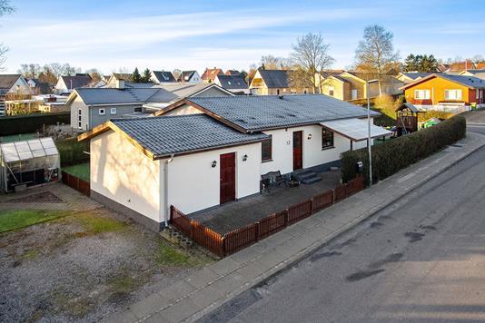 Villa på Østervænget i Støvring - Set fra vejen