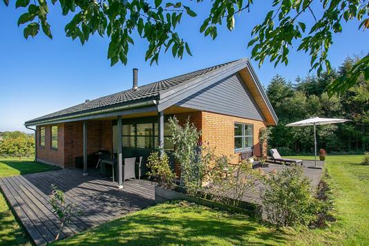 Villa på Porthusvej i Støvring - Set fra haven