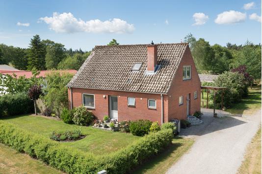 Villa på Plantagevej i Ålbæk - Ejendommen
