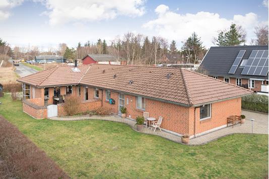 Villa på Mølleparken i Ålbæk - Ejendommen