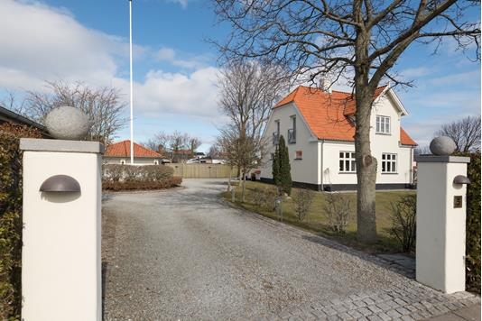 Villa på Skolevej i Strandby - Ejendommen