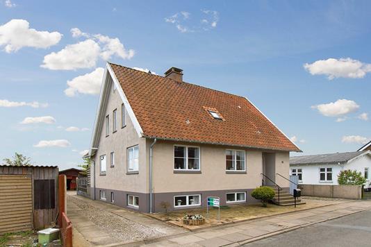 Villa på Lisborgvej i Frederikshavn - Ejendommen