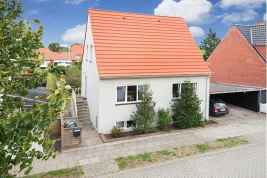 Villa på Kløvervej i Frederikshavn - Ejendommen