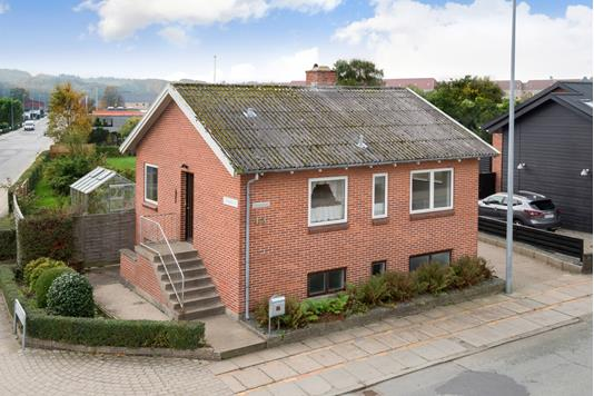 Villa på Gærumvej i Frederikshavn - Ejendommen