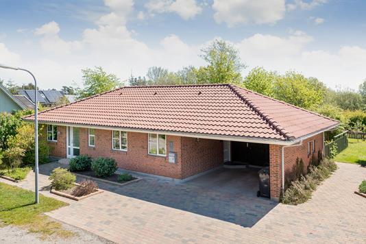 Villa på Rugengen i Strandby - Ejendommen