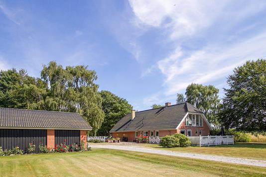 Villa på Bækmojenvej i Frederikshavn - Ejendommen