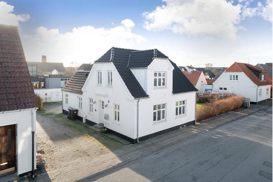 Villa på Munkevej i Strandby - Ejendommen