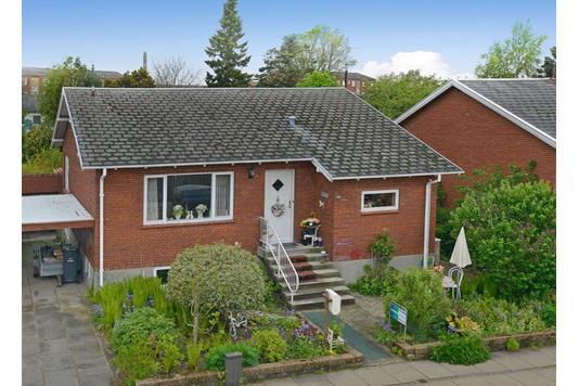 Villa på Enghavevej i Frederikshavn - Ejendommen