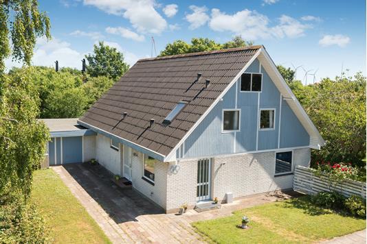 Villa på Overlæge Ottosens Vej i Frederikshavn - Ejendommen