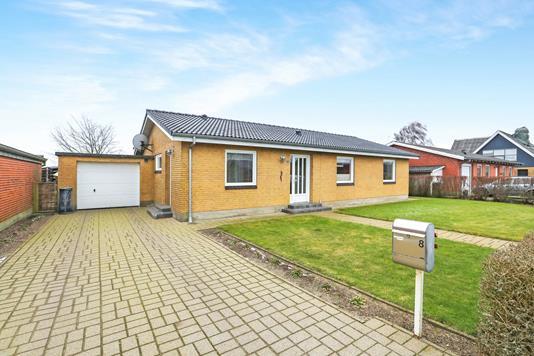 Villa på Poulsgade i Hjallerup - Ejendommen