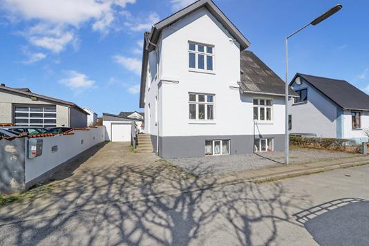 Villa på Poul Kærs Vej i Nørresundby - Ejendommen