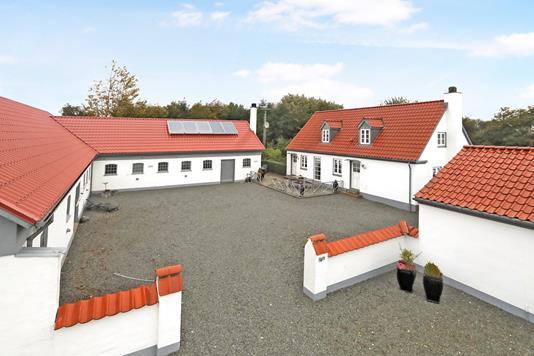 Landejendom på Ulstedvej i Dronninglund - Ejendom 1