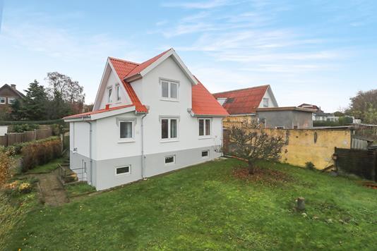 Villa på Erik Ladefogeds Vej i Nørresundby - Ejendom 1