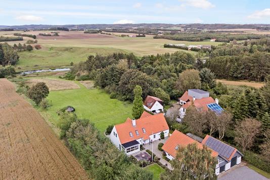 Villa på Hellevadvej i Hjallerup - Luftfoto