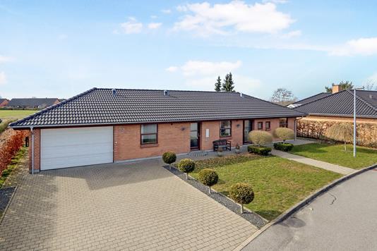 Villa på Tylstrupparken i Tylstrup - Ejendom 1