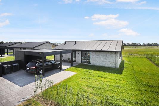 Villa på Østermarken i Hjallerup - Ejendommen