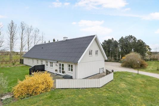 Villa på Mølholtvej i Hals - Ejendommen