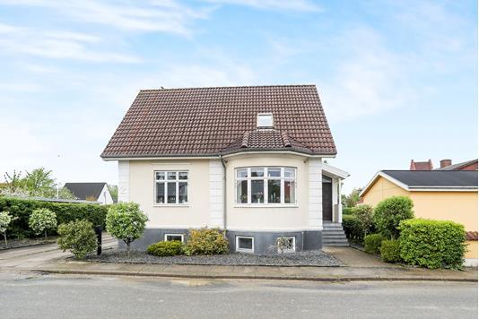 Villa på Sundvej i Nørresundby - Ejendommen