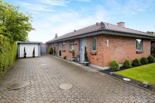 Villa på Ledreborgparken i Nørresundby - Ejendommen