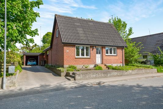 Villa på Rosendalsvej i Hadsund - Ejendommen