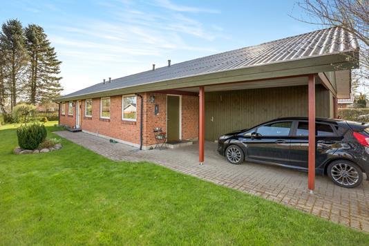 Villa på Sønderholt i Hadsund - Carport